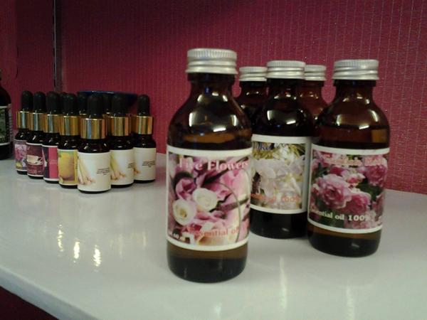 tinh dầu Thái Lan